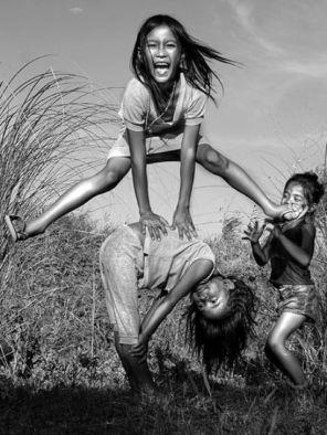 children-playing-philippines_40412_600x450 (1)