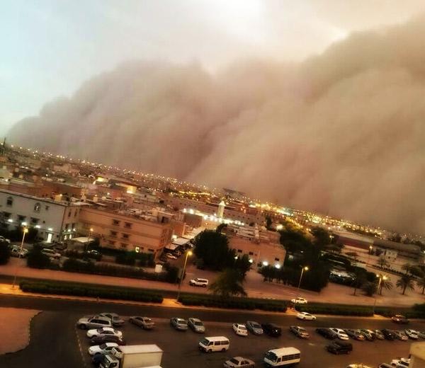 sandstorm-kuwait-2015
