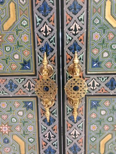 The door handle of the Moroccan door
