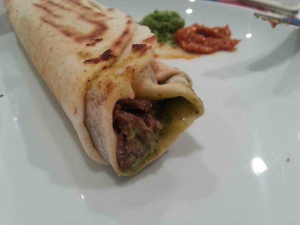 mo2armisha-shawarma-sandwich-shop-kuwait-10
