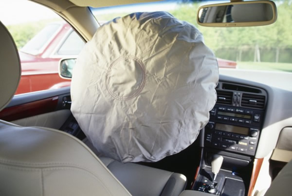 Audi_automobile_safety_airbag_3