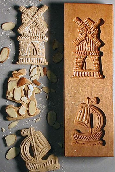 Traditional Spkeulaas biscuit mold