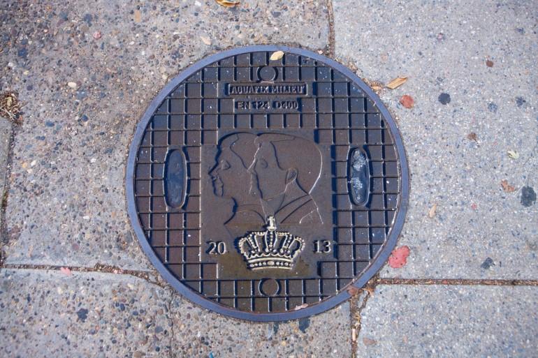 netherlands manhole